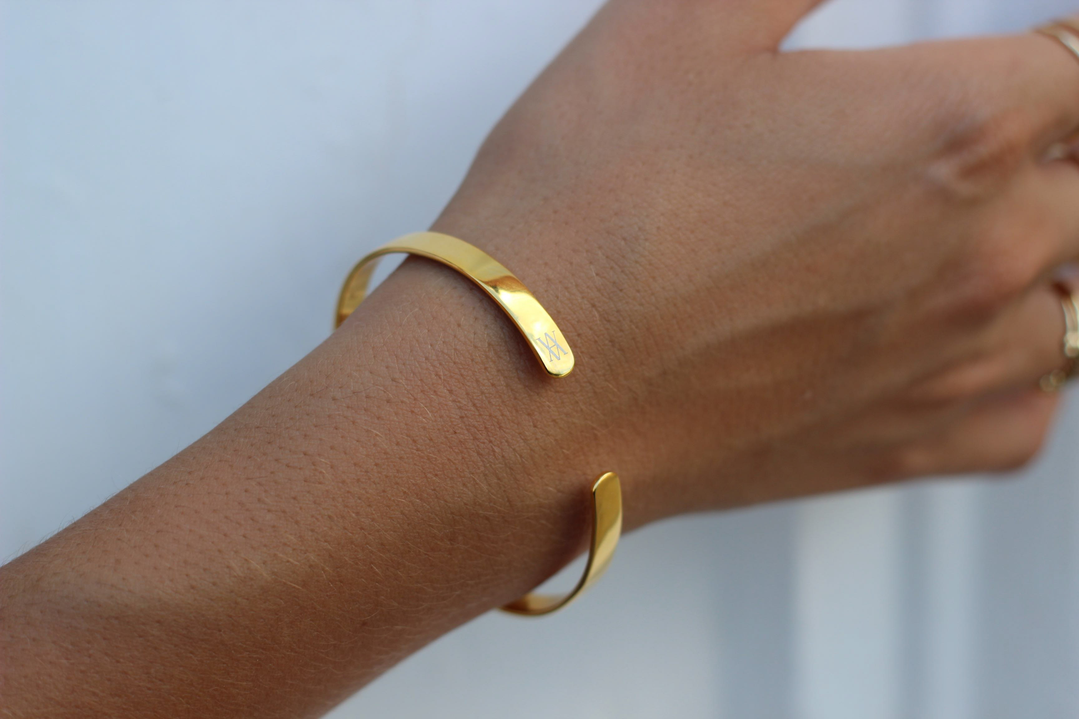 Pulsera ESSENTIAL gold