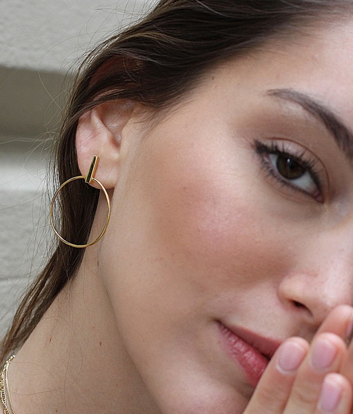 STICK CIRCLE gold earrings