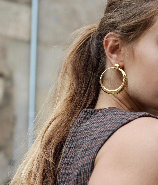 LOLA gold earrings