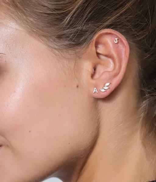 Boucles d'oreilles INITIAL or