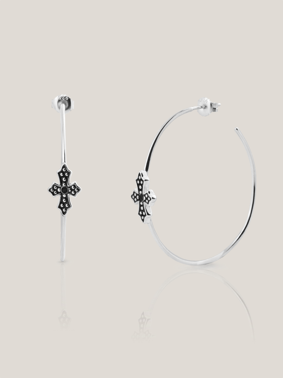 Pendientes black cross 50 silver2