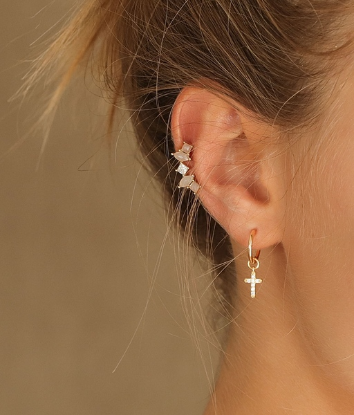EXQUISITE gold earring