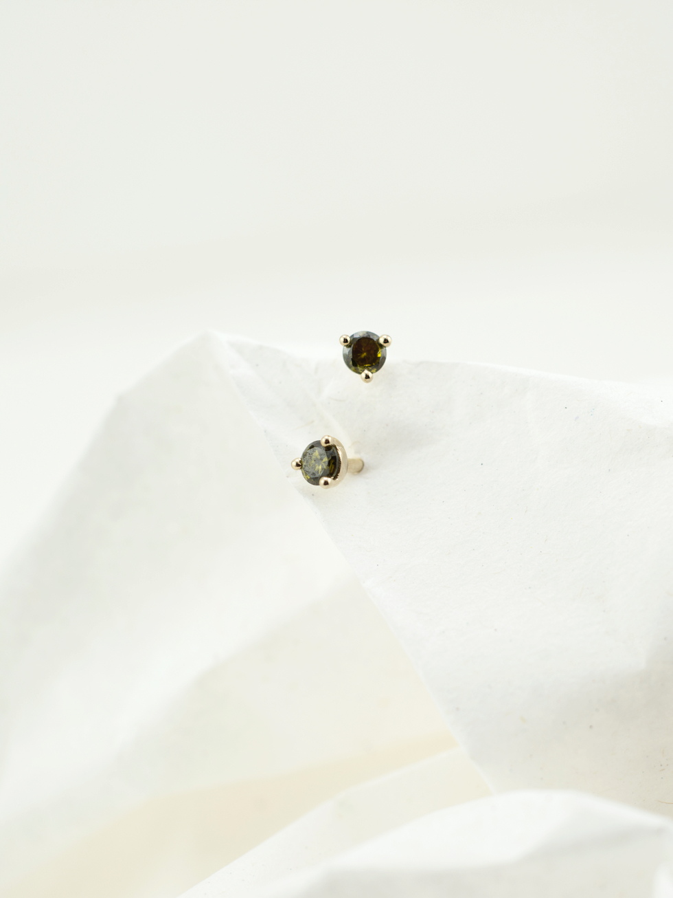 OLIVE STUD gold earrings