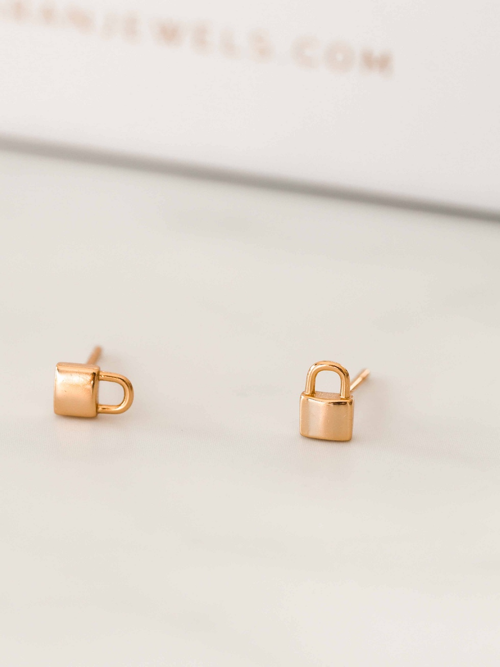 PIN PADLOCK gold stud earrings