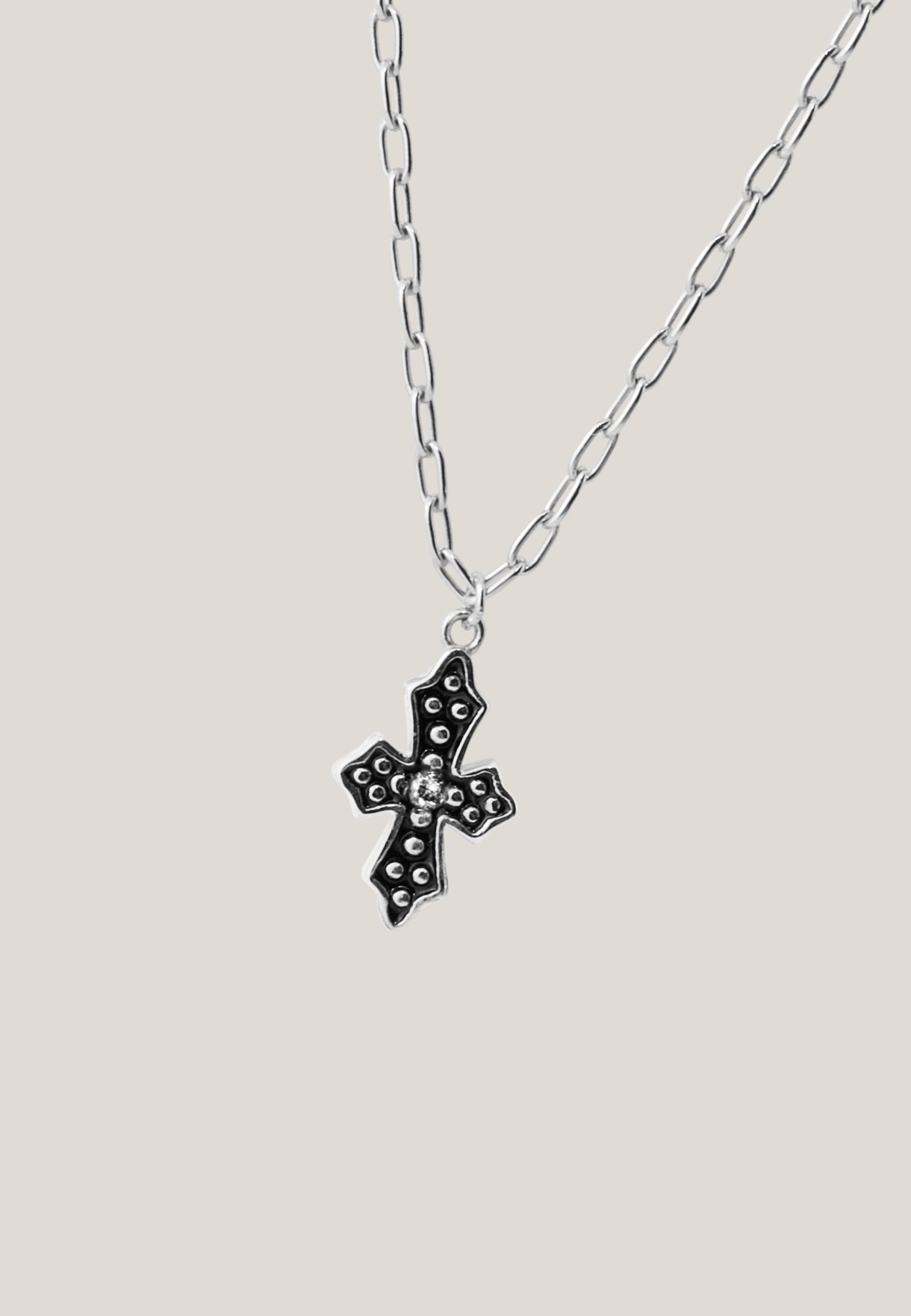Collar black cross silver za 4