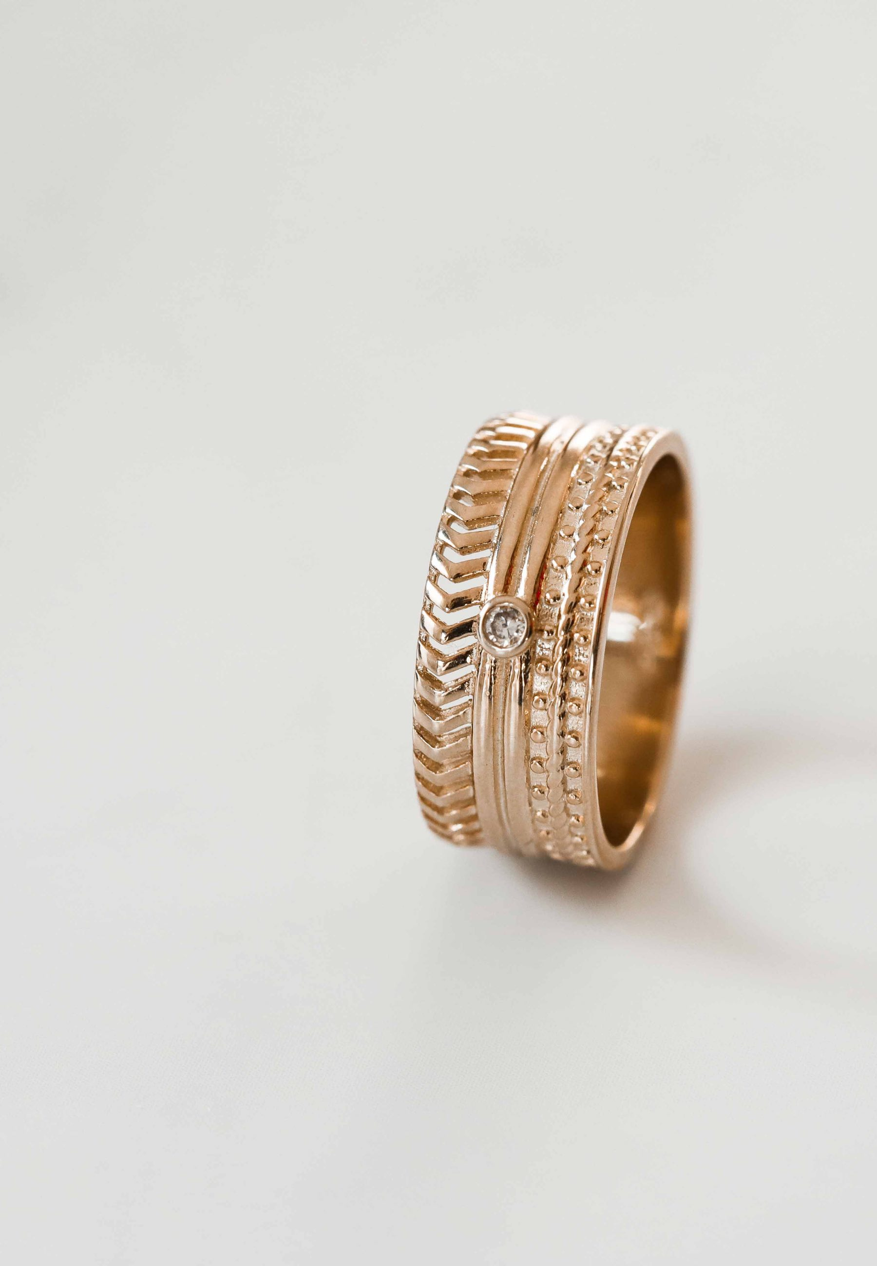 BAROQUE gold ring