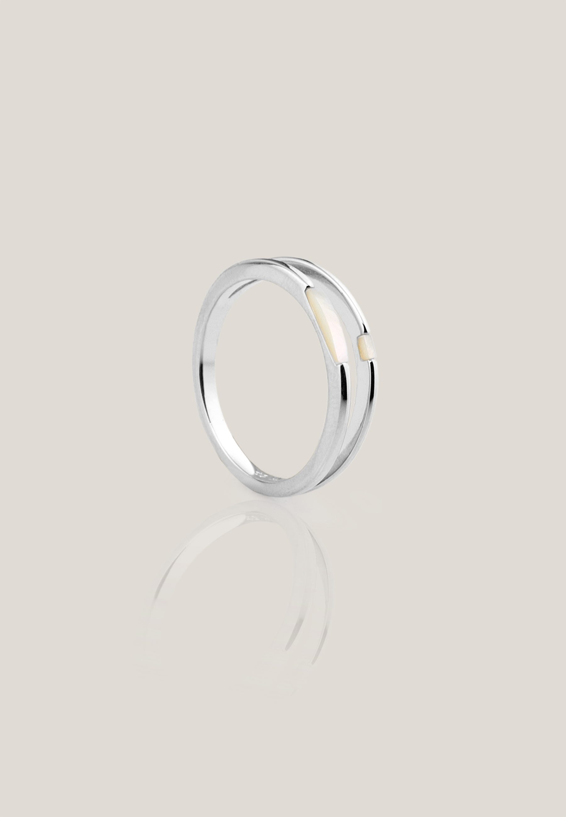 WHITE silver ring