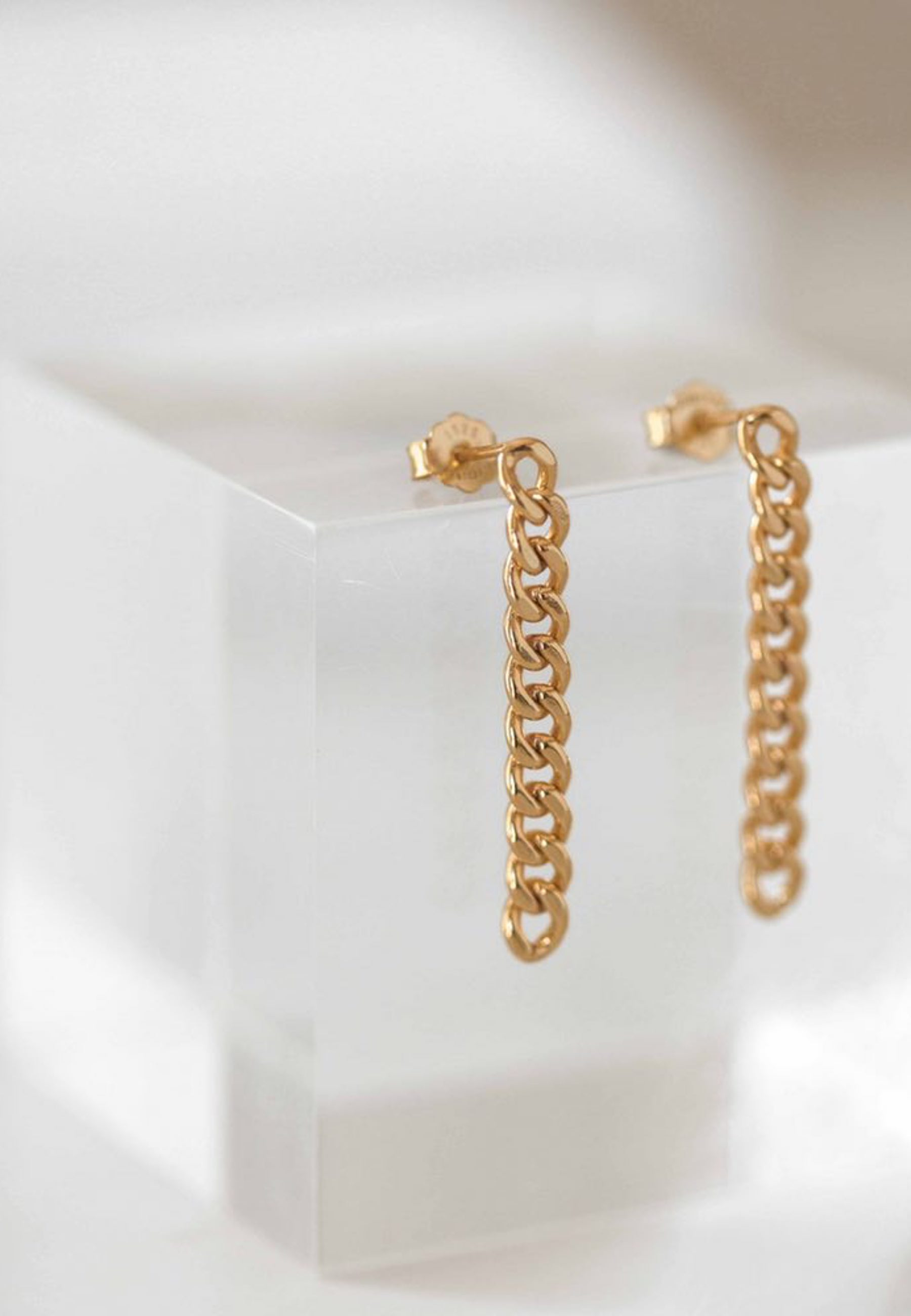 ESLABON gold earrings