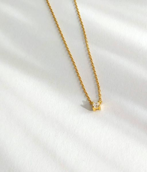 BRIGHT gold necklace