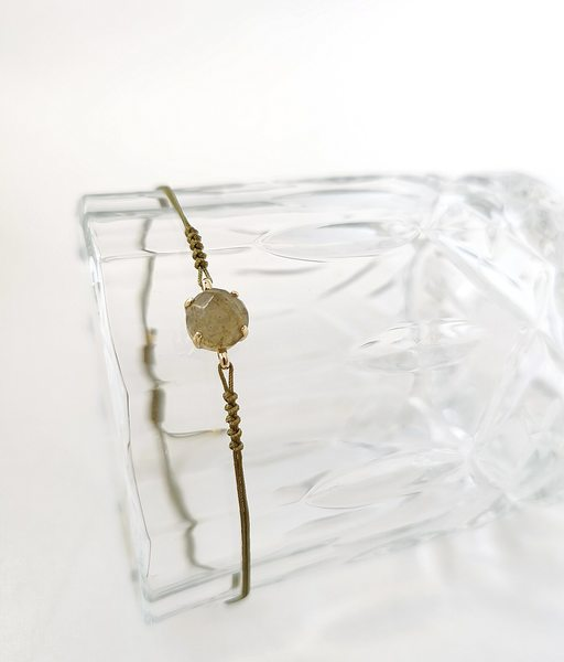 PIEZA LABRADORITA gold bracelet