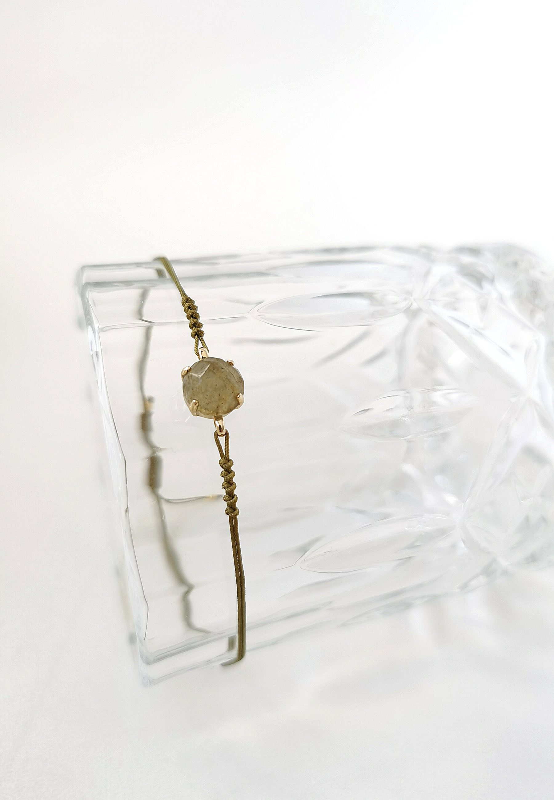 Pulsera labradorita cuerda oro2