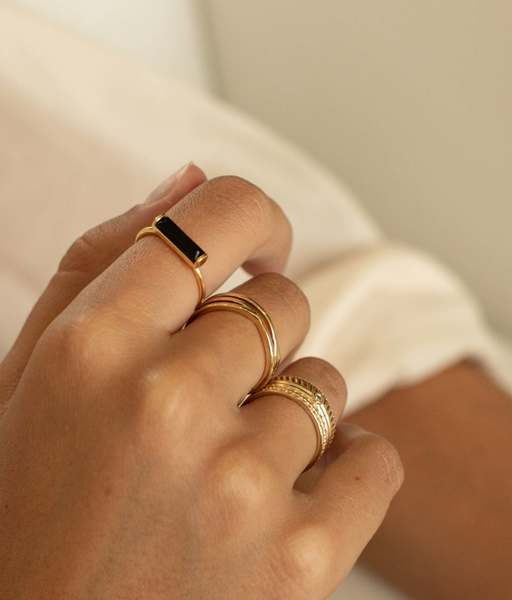 BLACK TOURMALINE rectangle gold ring