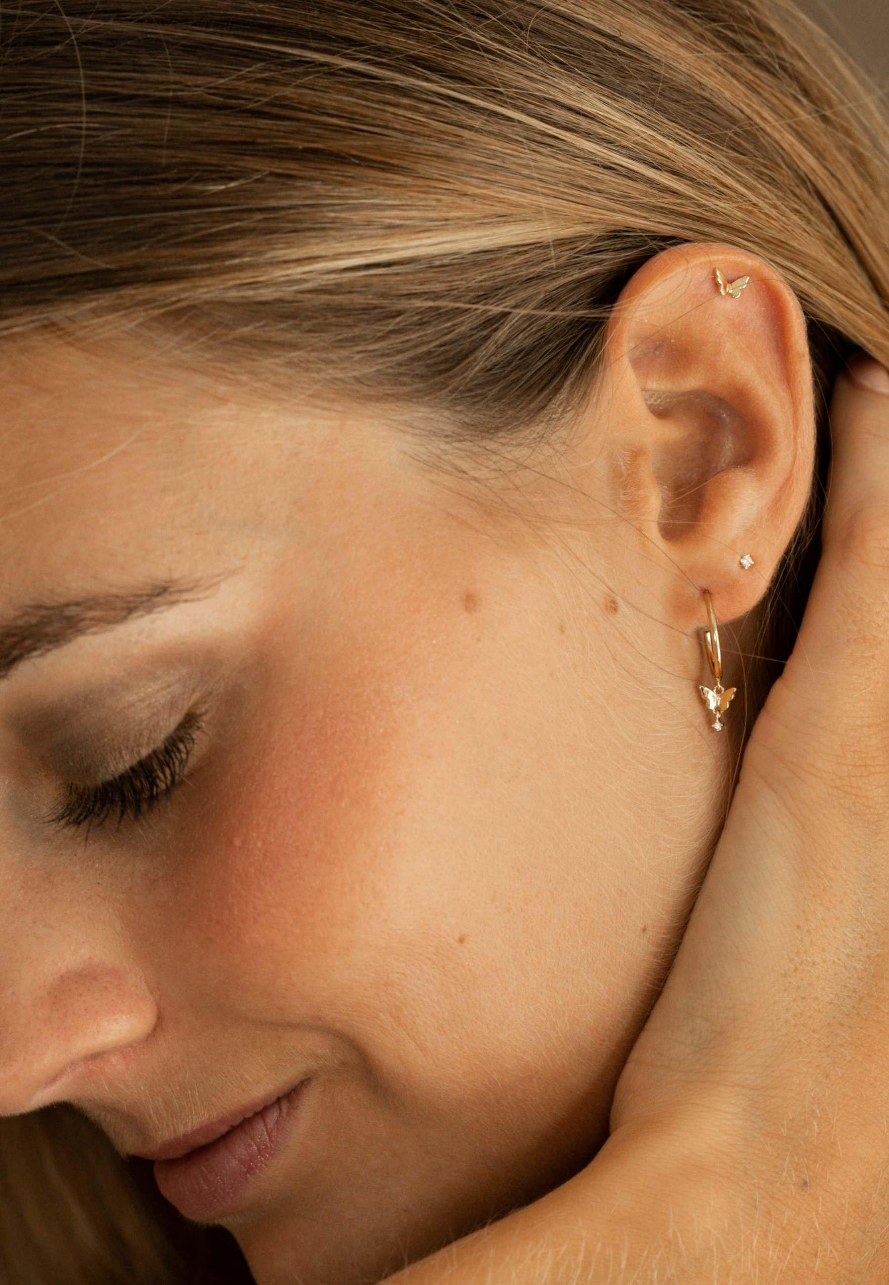 Butterfly earrins gold