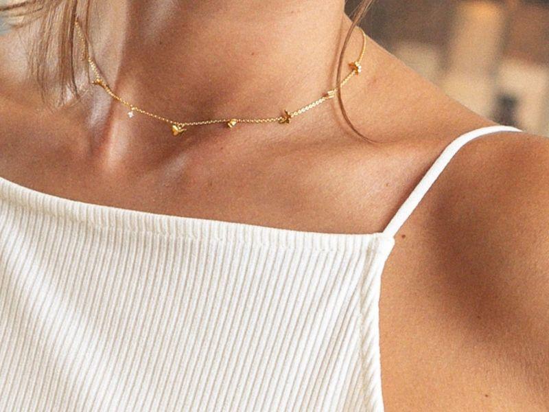 FIVE BUTTERFLIES gold necklace